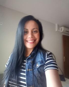 Nathalie Alejandra R. Canguros / Cuidadores niños Ref: 510811