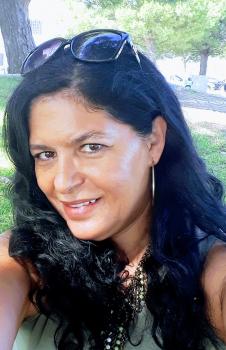 Cristina A. Babysitter / cuidador de crianças Ref: 3784